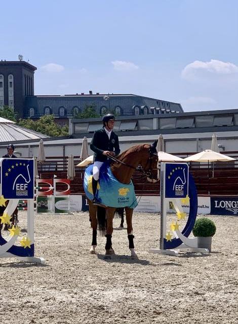 Vince la gara d'apertura a Budapest: Francesco Turturiello su Diraba 🐴❤️💪